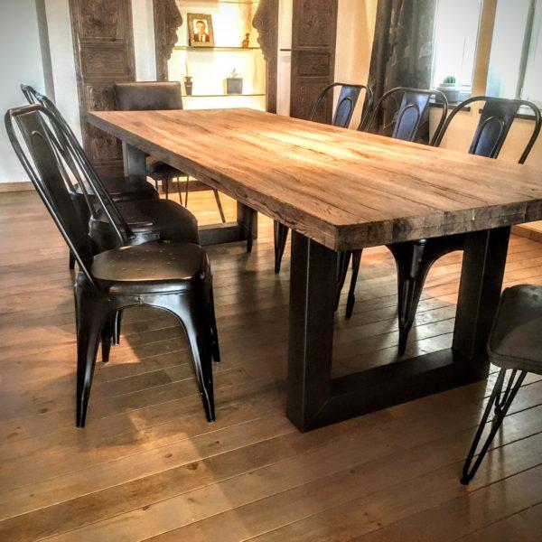 Table et Chaises Lyon