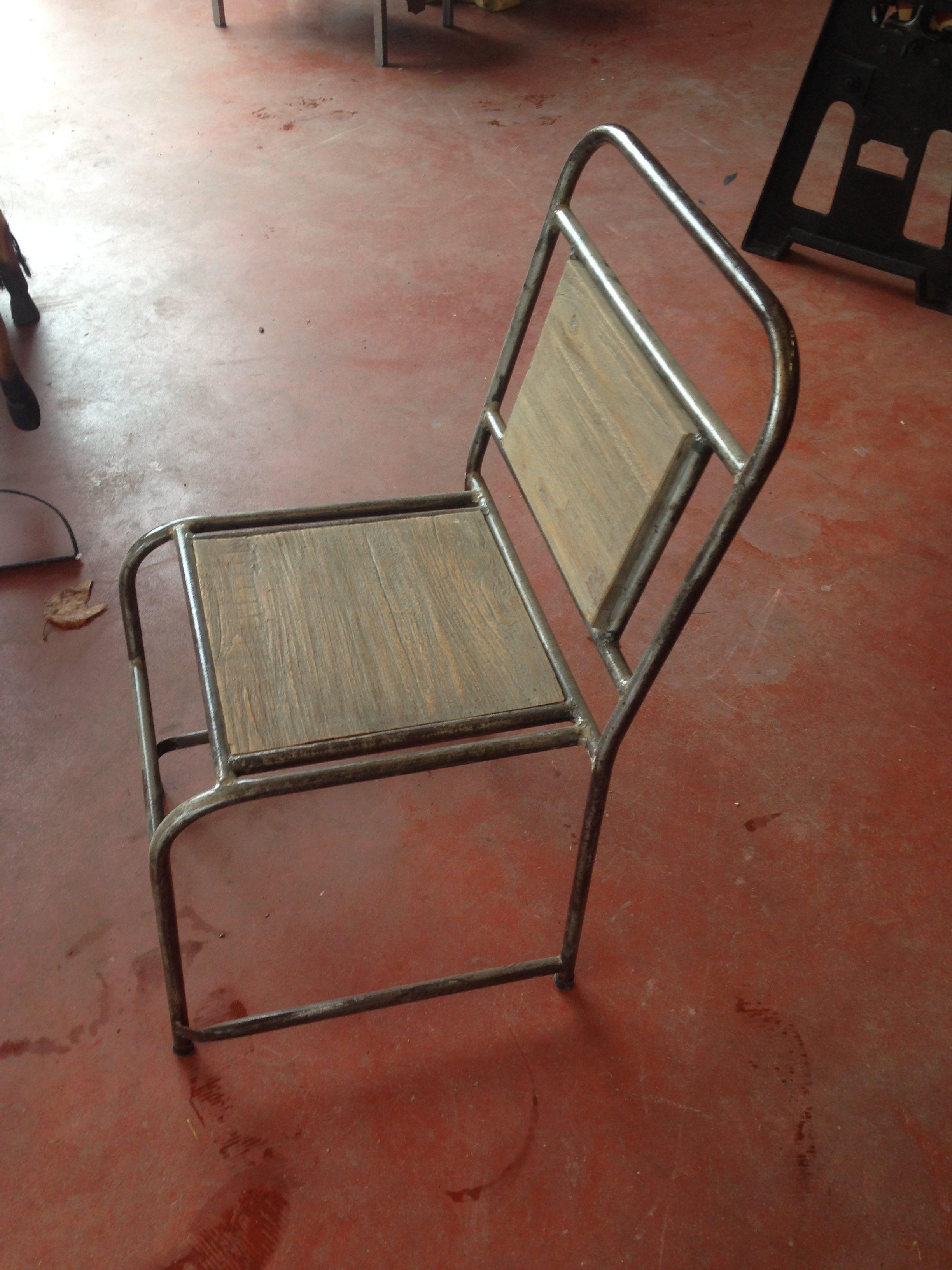 Chaise industrielle atelier bois et m tal chaise d - Chaise d ecolier vintage ...