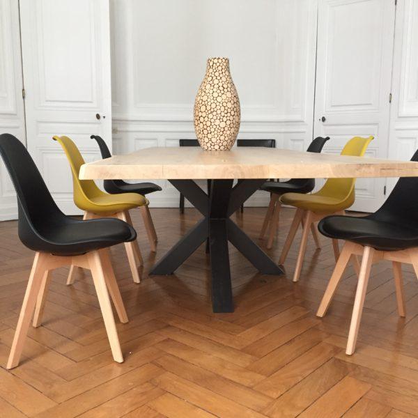 Table et Chaises Scandinaves Lyon