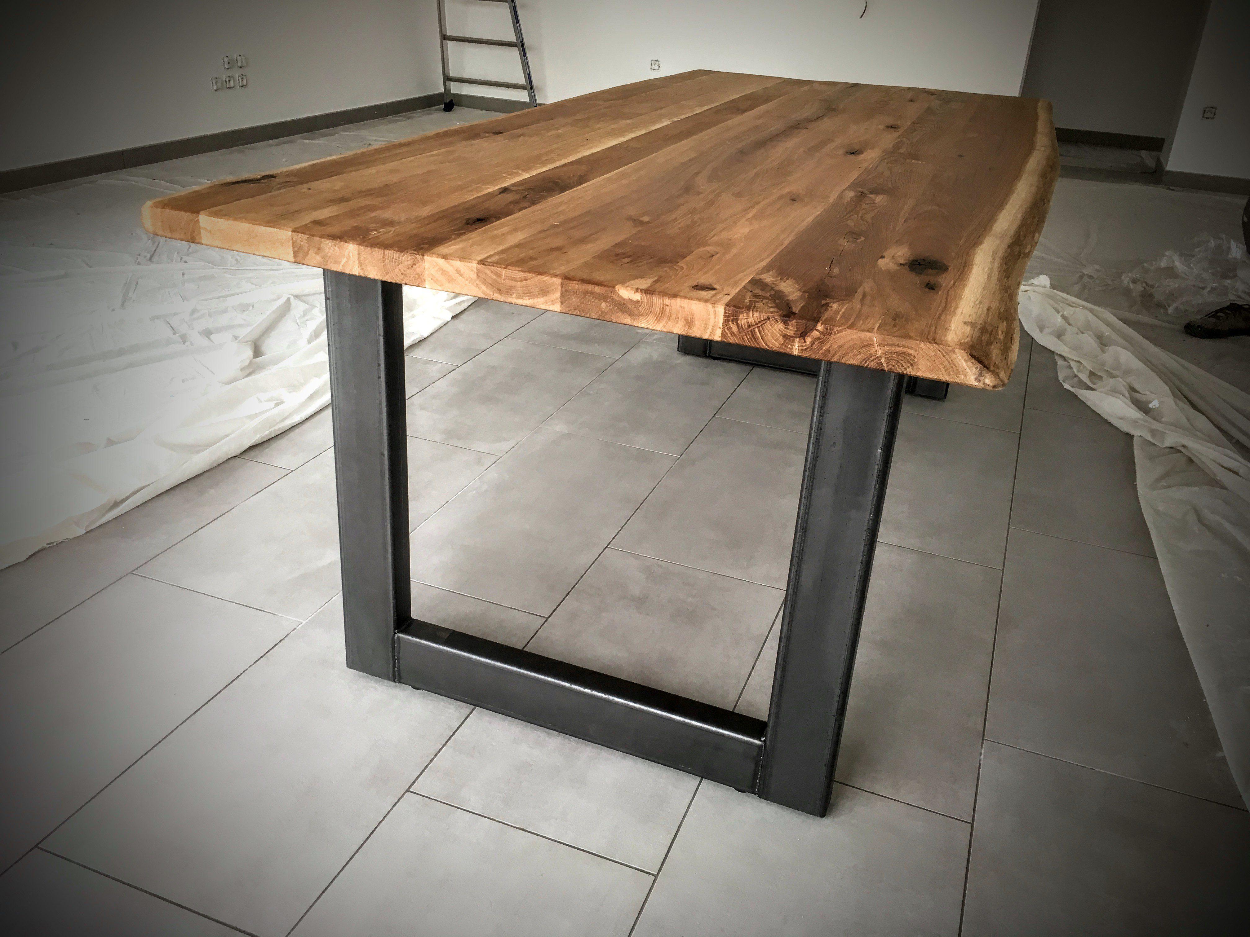 Table scandinave pied u en acier bois métal design