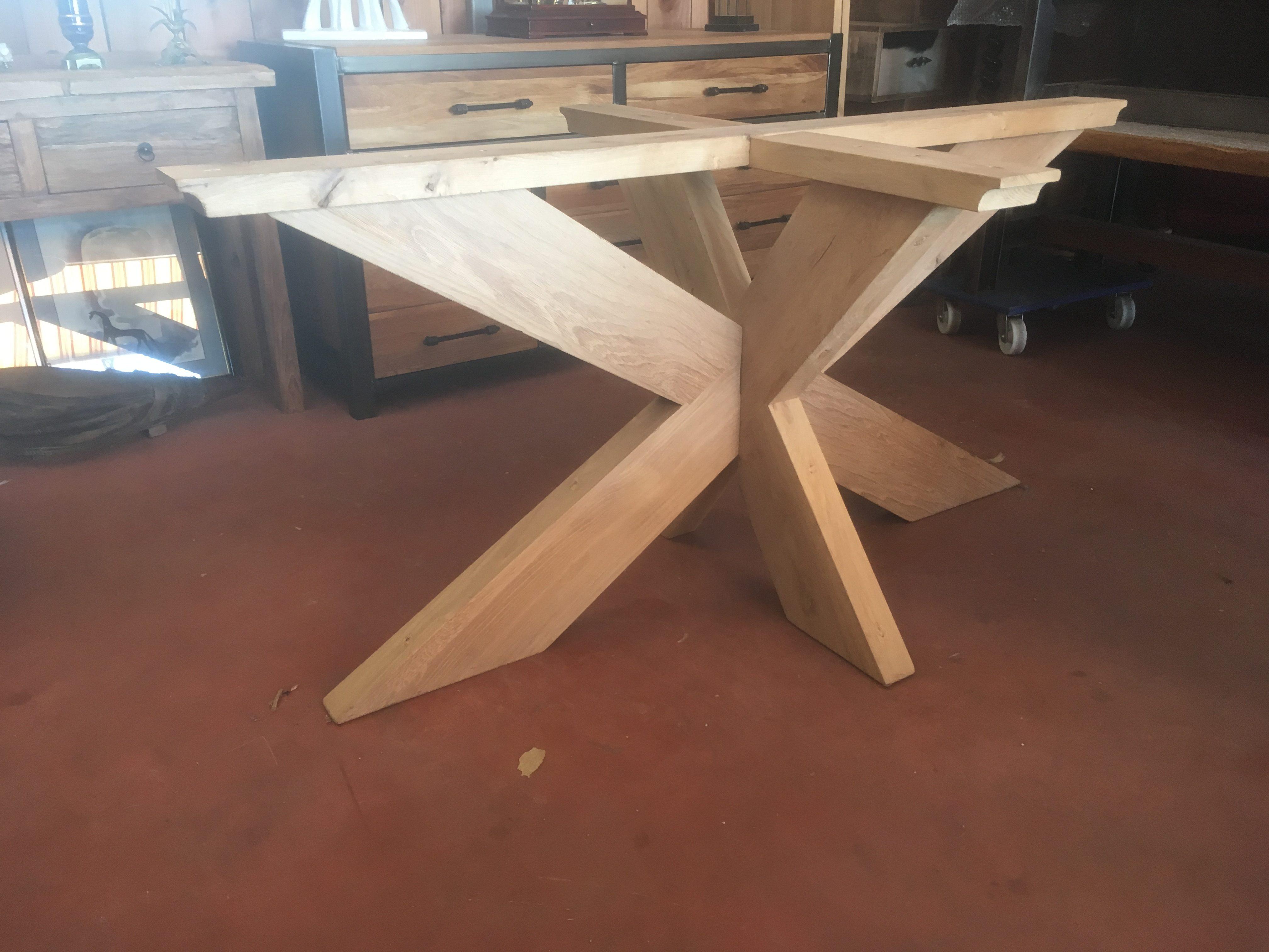 table manger pied central bois massif cr ation sur. Black Bedroom Furniture Sets. Home Design Ideas