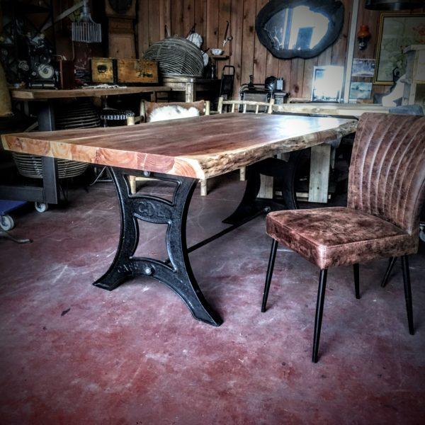 Table et Chaises Scandinave Lyon