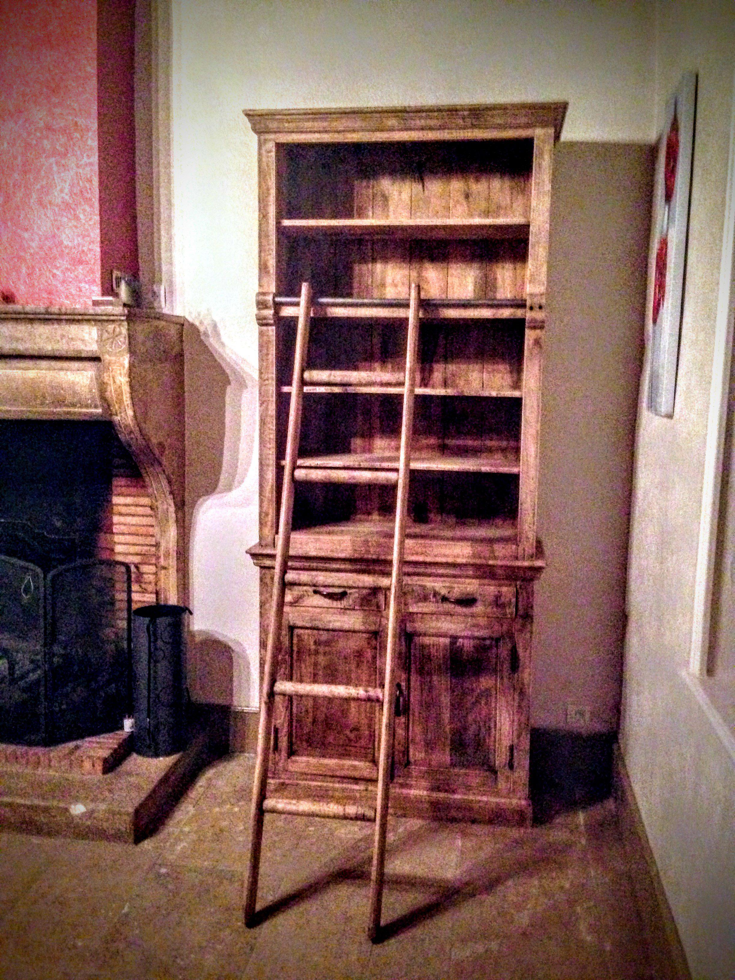 biblioth que avec chelle coulissante en bois recycl. Black Bedroom Furniture Sets. Home Design Ideas