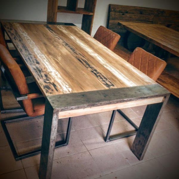 Table et Chaises Danoise