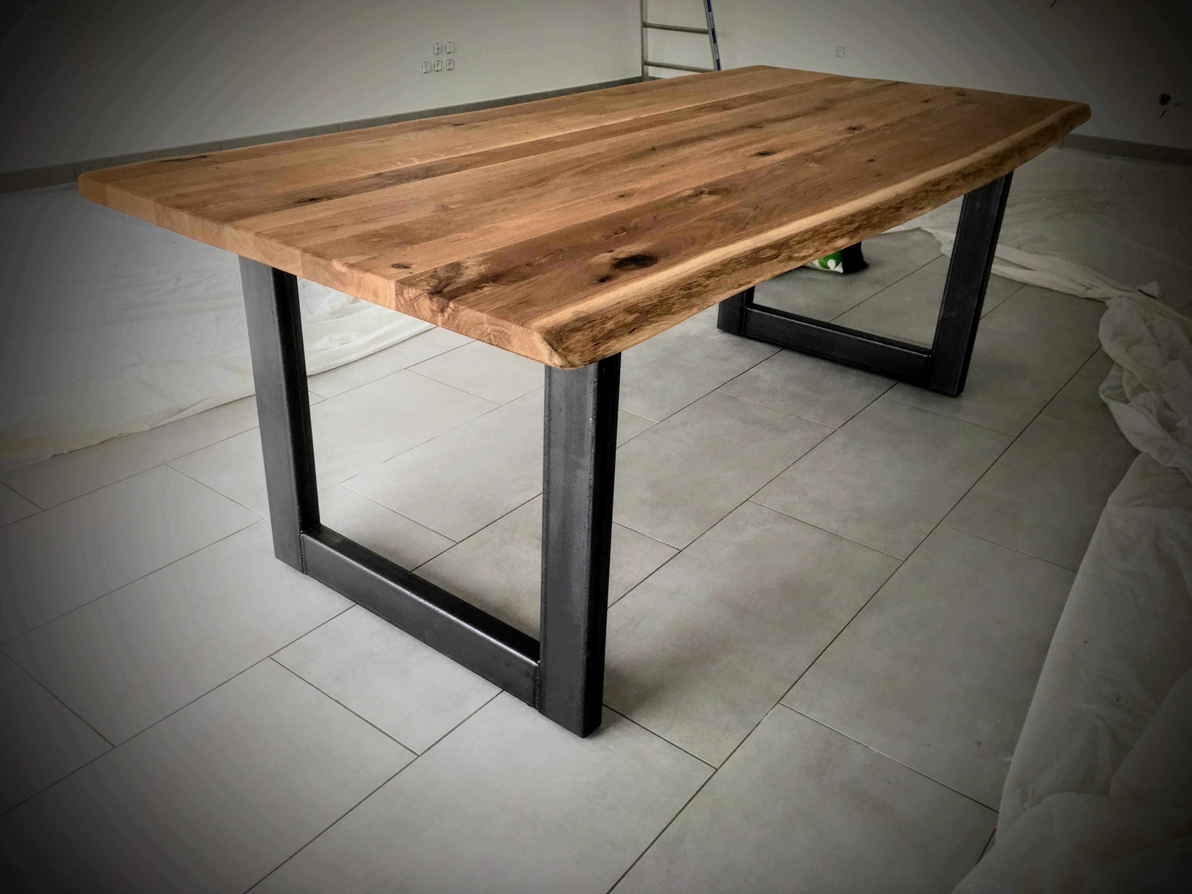 table scandinave pied u en acier bois m tal design. Black Bedroom Furniture Sets. Home Design Ideas