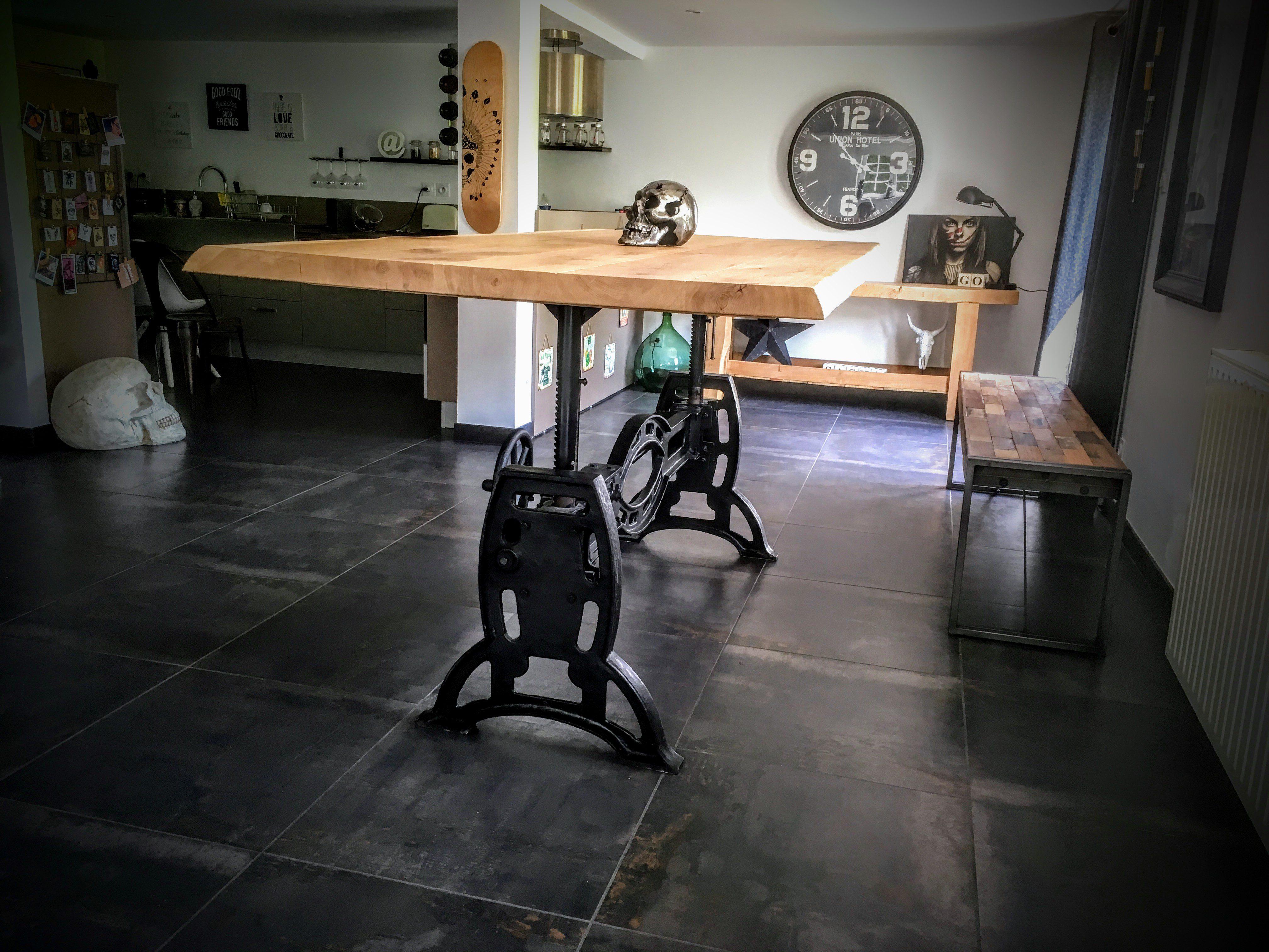 Table élévatrice Pied rond en Fonte - Bois Métal style