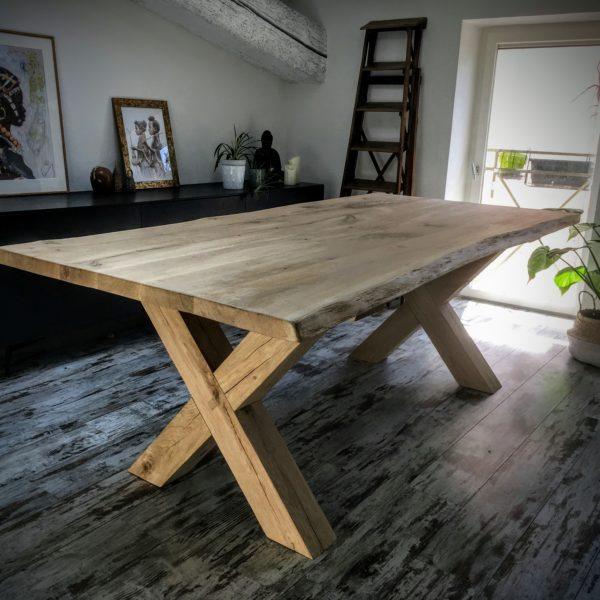 Table en Bois Pied Croisé