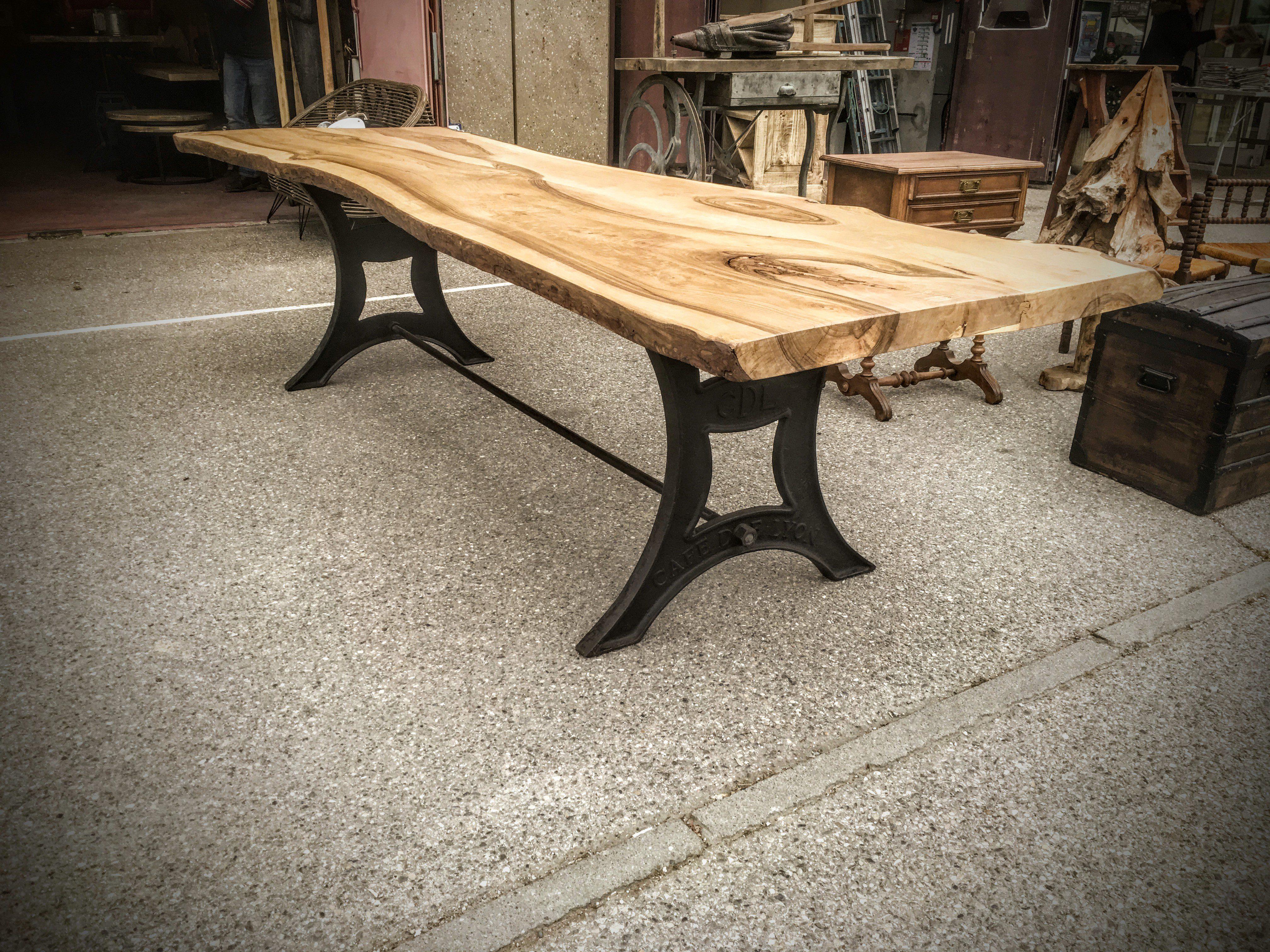 Table A Manger Originale table de salon en bois et fonte - design industriel - café